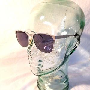 Colors in Optics sunglasses
